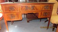 Edwardian Mahogany Kneehole desk