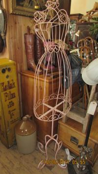 WIRE DUMMY ON STAND