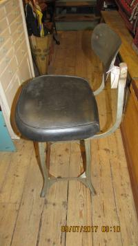 INDUSTRIAL WORKPLACE HIGH CHAIR