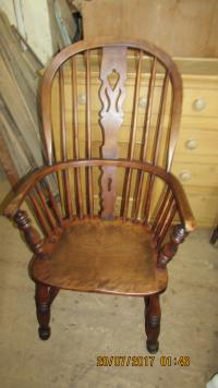 GOOD WINDSOR ARMCHAIR