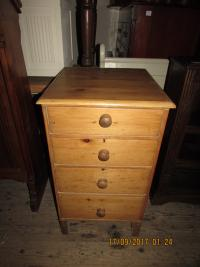 NEAT AND SMALL  CHEST  OF  DRAWERS