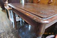 NICE  BURR  ELM  KITCHEN  TABLE